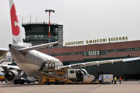 Aeroporto Marconi Bologna, aereo, pista aeroporto