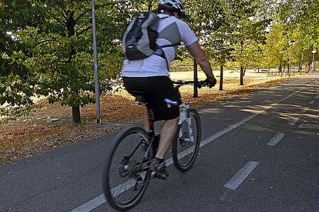 Pista ciclabile, bicicletta