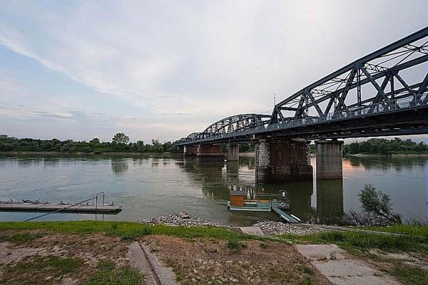 Ponte di Colorno, fiume Po