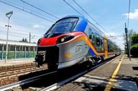 Treno, treno pop, stazione