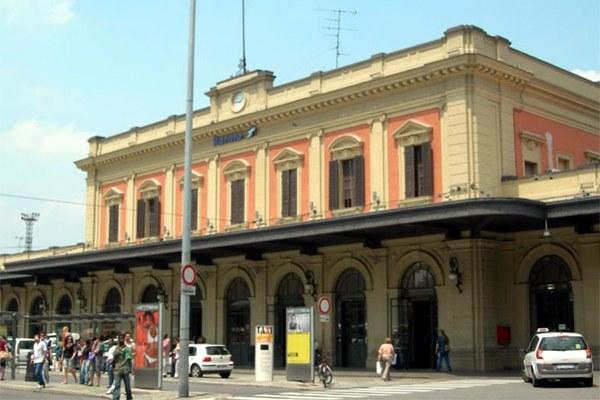 Stazione di Parma, treni, ferrovia