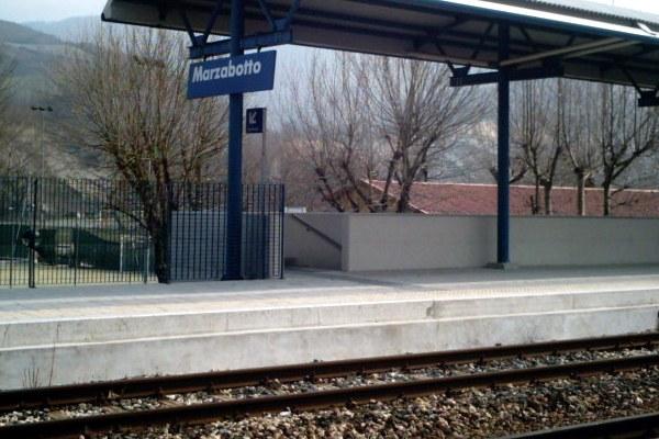 Stazione ferroviaria di Marzabotto, treni regionali