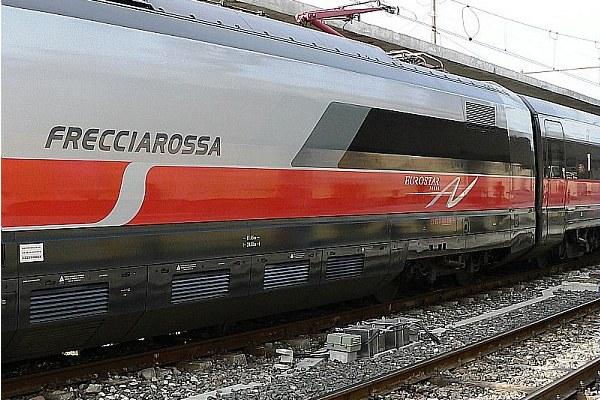 Treno alta velocità, Freccia rossa, Trenitalia, ferrovia