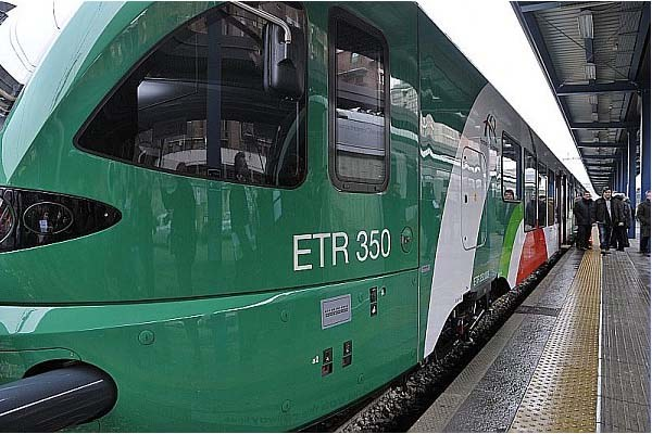 Treno regionale, ferrovia, fer (3)