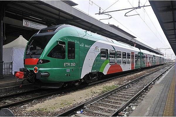 Treno regionale, ferrovia, fer