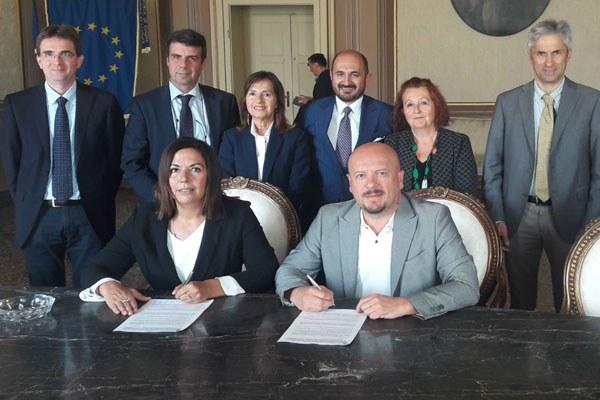 Assessore Gazzolo firma protocollo inceneritore Mingozzi (Fc)
