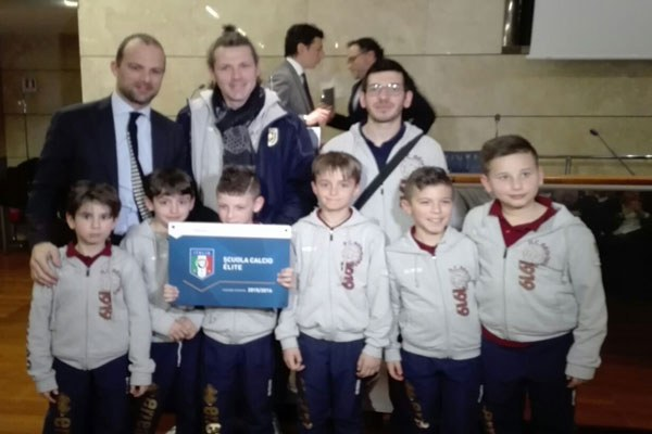 Il sottosegretario Rossi premia le scuole di calcio élite