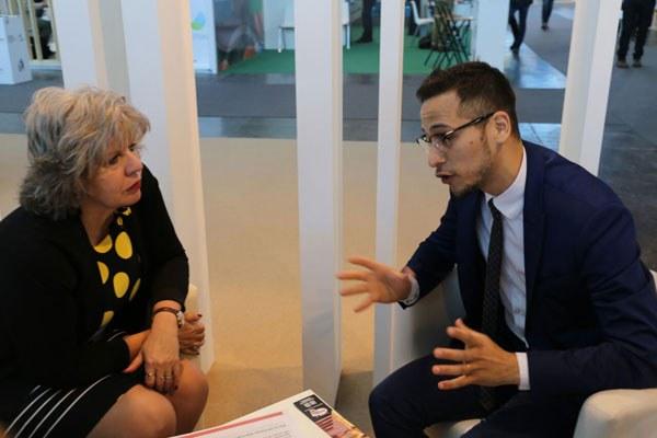 L'assessore Simona Caselli e il console uruguaiano Ernesto Messano De Mello