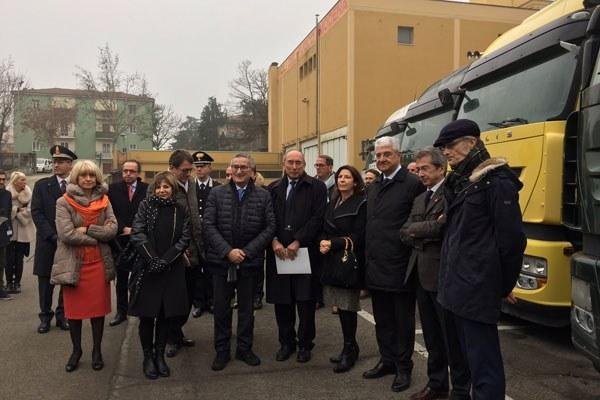Palma Costi alla consegna dei mezzi ai vigili del fuoco a Modena