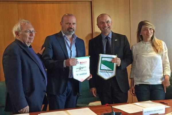 Bonaccini firma protocollo con Bosch