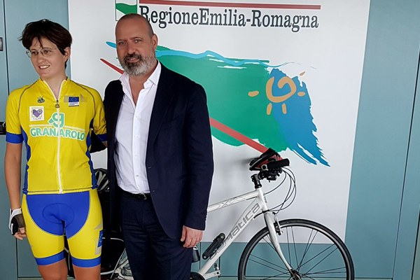 Bonaccini, Lucia Bruni, Roma Bruxelles in bici 16 giugno 2017