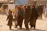 Afghanistan, donne e bambini in fuga