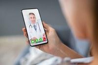 Sanità online, medico, smartphone