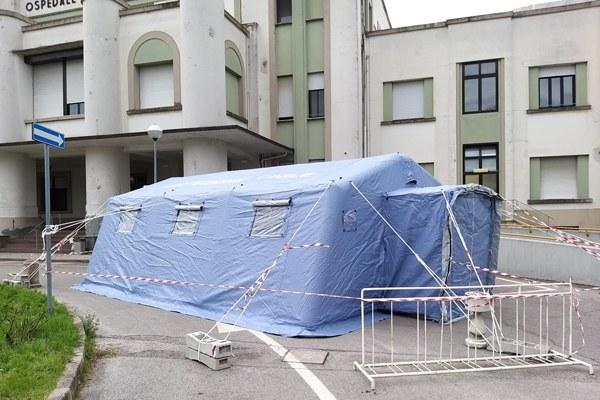tenda triage coronavirus ospedale argenta ferrara