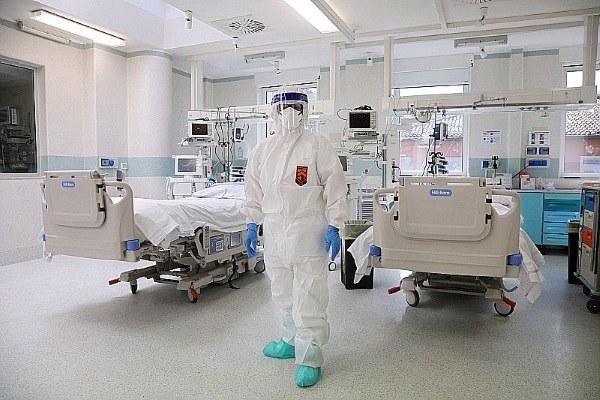 Coronavirus, terapia intensiva, letti