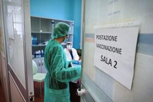 Vaccinazioni anti-Covid, in Emilia-Romagna lunedì 26 aprile via alle  prenotazioni per i cittadini dai 65 ai 69 anni — Regione Emilia-Romagna