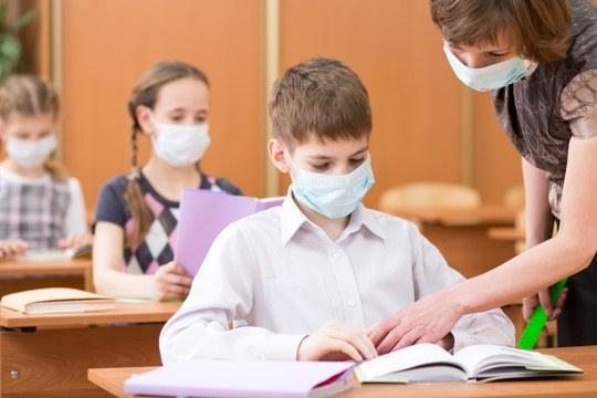 Scuola, bambini, mascherine
