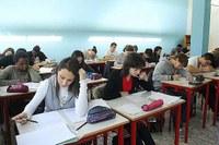 Scuola superiore, istituto tecnico, studenti, giovani