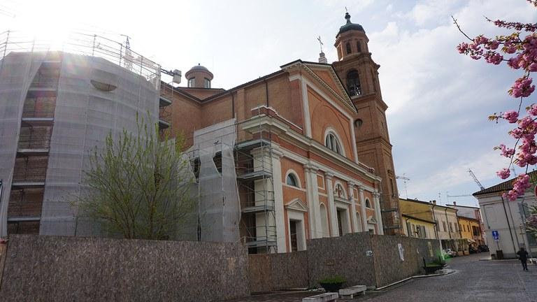 Reggiolo_chiesa_est_cantiere.JPG