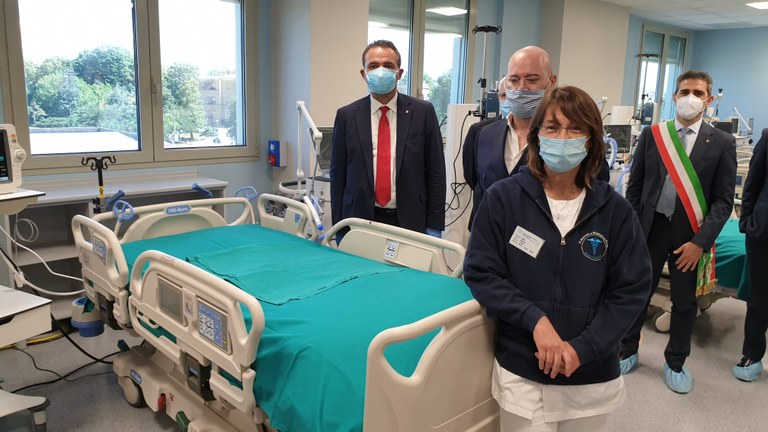 Bonaccini,  Donini, sindaco di Parma , hub terpie intensive Parma .jpeg