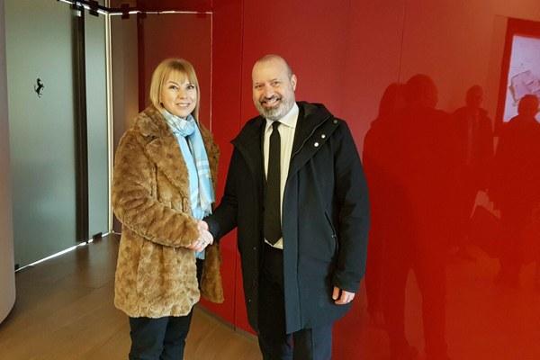 Il commissario Ue Bienkowska e il presidente Bonaccini