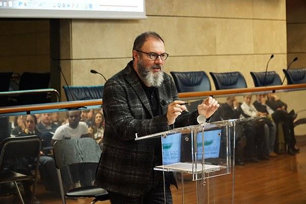 Carlo Lucarelli racconta i casi su cui è intervenuta la Fondazione