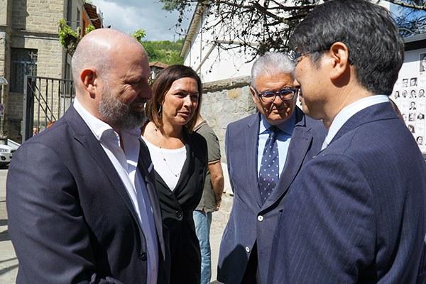 Il sindaco di Nagasaki e il presidente Bonaccini