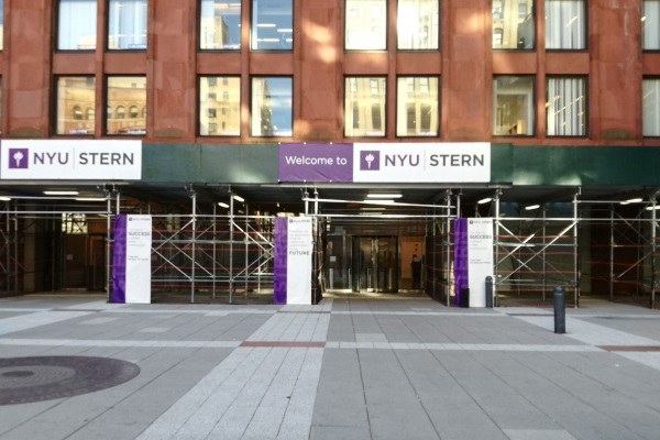 La New York University