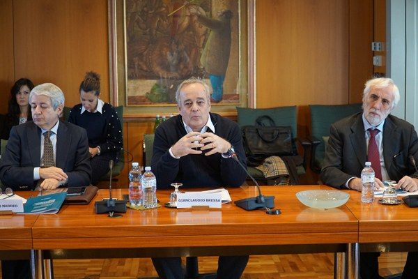 Al centro il sottosegretario alla Presidenza del Consiglio dei Ministri in materia di affari regionali, Gianclaudio Bressa