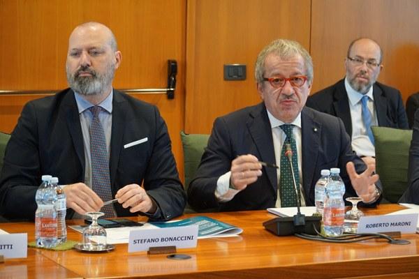 I presidenti Bonaccini e Maroni al tavolo Autonomia 116