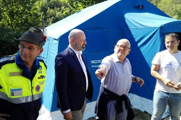 Terremoto in Italia centrale, Bonaccini col sindaco di Montegallo, Sergio Fabiani