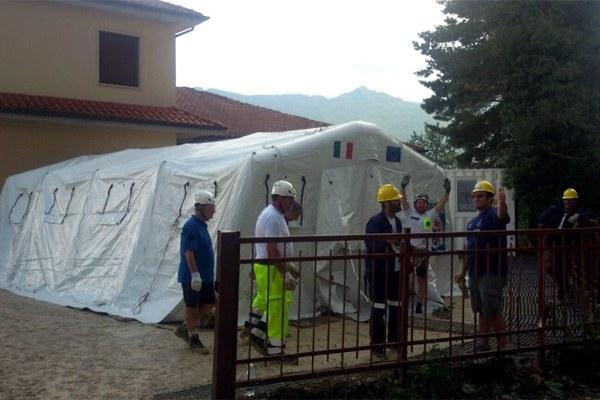 8 settembre 2016, viene montata la tenda per la scuola
