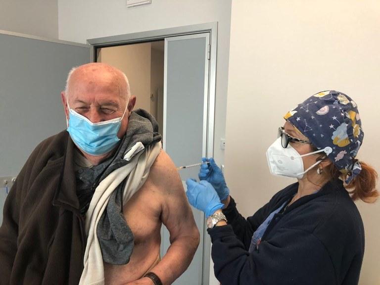 Il primo vaccinato a Imola