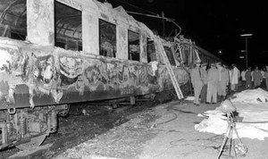 Nella notte del 4 agosto 1974 esplode una bomba a bordo del treno espresso Italicus Roma-Monaco di Baviera in transito a San Benedetto Val di Sambro, in provincia di Bologna. Il bilancio è di dodici morti e cinquanta feriti. Copyright: Archivio Nadalini