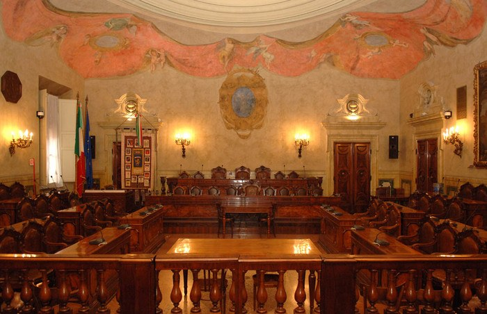 Sala del Consiglio di Palazzo Malvezzi, in via Zamboni 13 a Bologna. Foto Ufficio stampa Provincia di Bologna